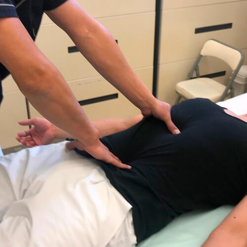 子供の踵の痛みマッサージ部位