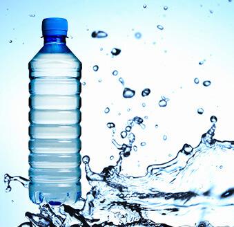 1日に必要な水の量